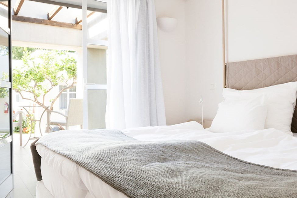 Junior Suite med terrasse mod haven