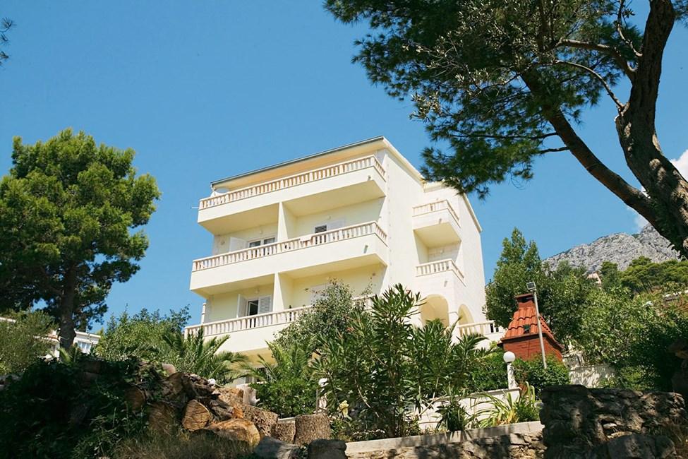 Apartments Rosso med deluxe-lejlighedens balkon øverst oppe