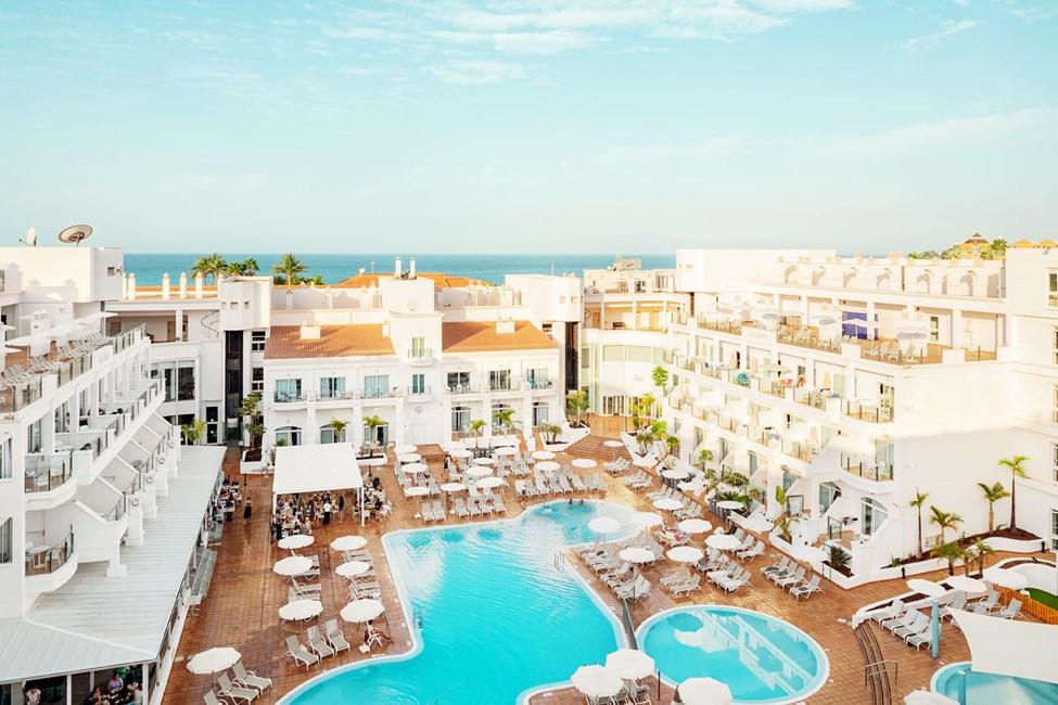 Hotellets poolområde