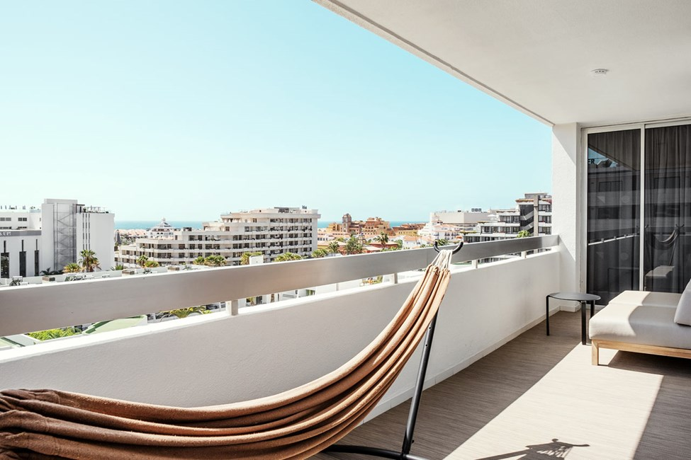 2-værelses Prime Lounge Suite med balkon mod omgivelserne
