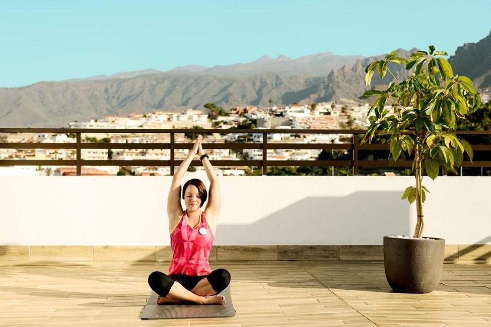 Und dig selv en yogatime på hotellets populære tagterrasse - alle vores instruktører er uddannet af SATS