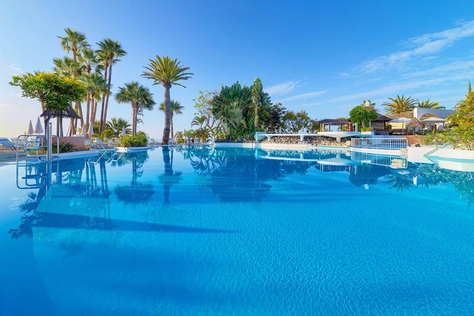 Hotellets største pool