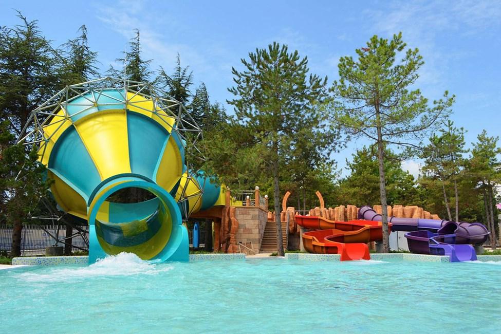 Hotellets gæster har gratis adgang til vandlandet Aquamania