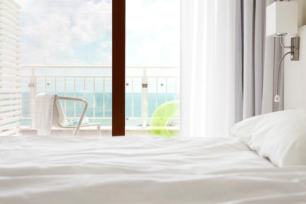 3-værelses lejlighed med balkon og havudsigt