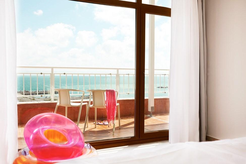 4-værelses lejlighed med balkon og havudsigt